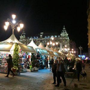 Mercadillo en la Escandalera en Oviedo