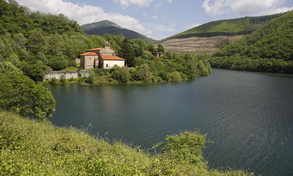 Los 10 lagos de Asturias que no te puedes perder